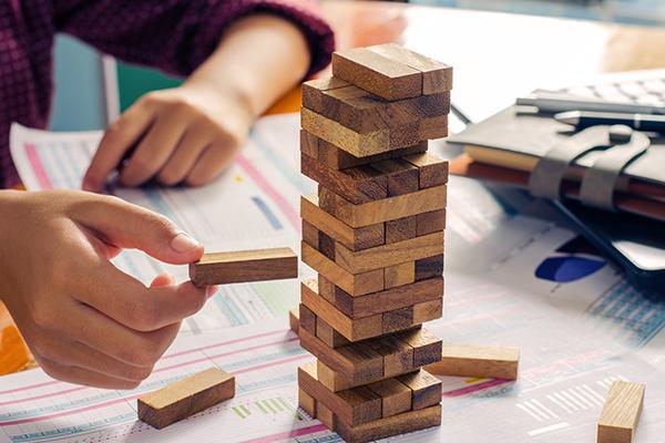 Understanding Risk thumbnail image